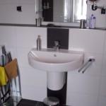 Ablage im Bad über dem Waschbecken Bild15
