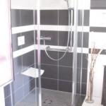 Moderne barrierefreie Dusche