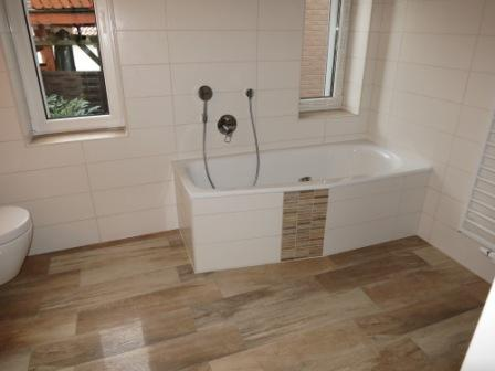 Beliebt Holzboden im Bad oder Feinsteinzeug Fliesen in Holzoptik IU27