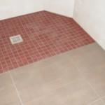 Barrierefreie Dusche mit Mosaikfliesen