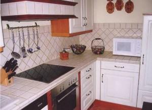 Küchenarbeitsplatte mit Fliesen