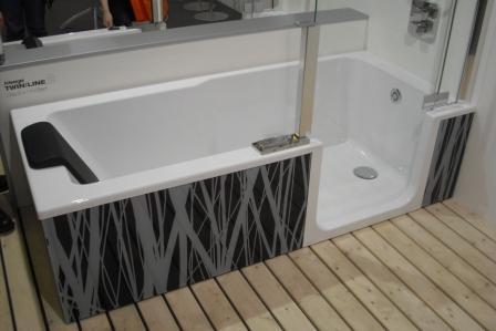 badewannen mit duschen integriert fliesen fieber. Black Bedroom Furniture Sets. Home Design Ideas