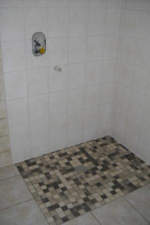 Verflieste Dusche begehbare duschen fliesen und abdichten fliesen fieber
