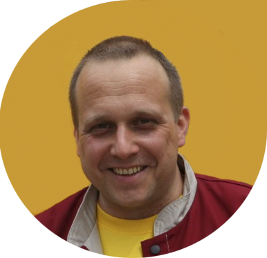 Thomas Fieber. Fliesenlegermeister und Badplaner bei der Firma Fliesen Fieber