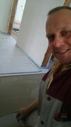 Selfie bei den Fliesenarbeiten