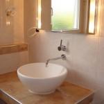 Gemauerte und geflieste Waschbeckenablage Bild3