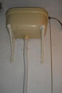 toilettensp lkasten ideen und m glichkeiten im kleinen bad fliesen fieber. Black Bedroom Furniture Sets. Home Design Ideas