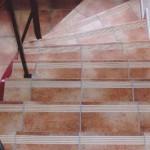 Treppenfliesen mit Rillen
