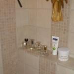 gemauerte und verflieste Badablage Bild10